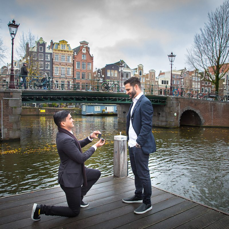 Secret proposal on location couple portrait photoshoot Loveshoot fotosessie Amsterdam wedding bruiloft secret proposal