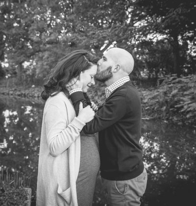 on location pregnancy photography - family photoshoot amsterdam - loveshoot couple portrait