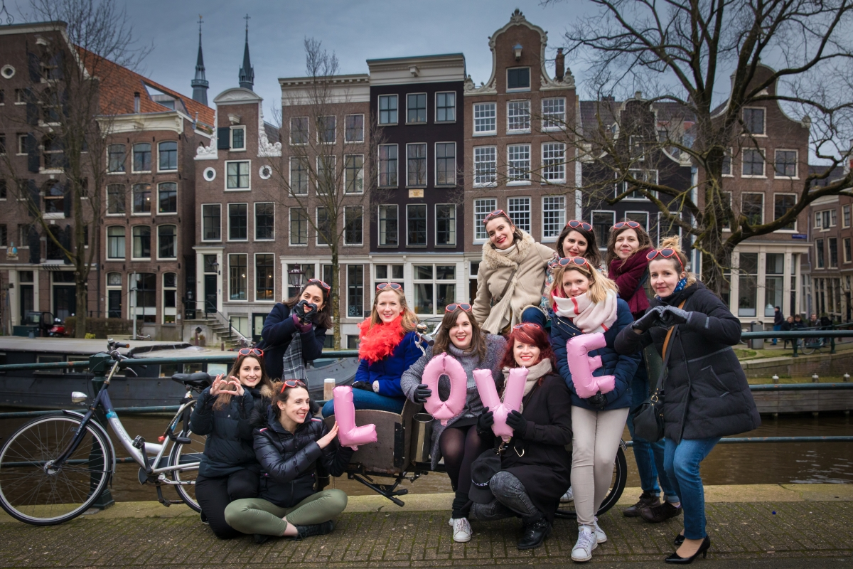 Bachelorette party photoshoot Amsterdam session photo EVJF